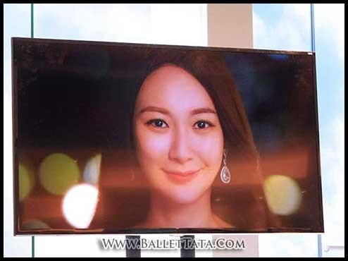 這位韓國代言人是誰?  No, No, No, 不是韓國人, 是莊思敏來的.  莊思敏成為了韓國全新護膚品牌 WISDERMA 的代言人, 亦是首位打入韓國市場代言的香港藝人.  莊思敏本身就...